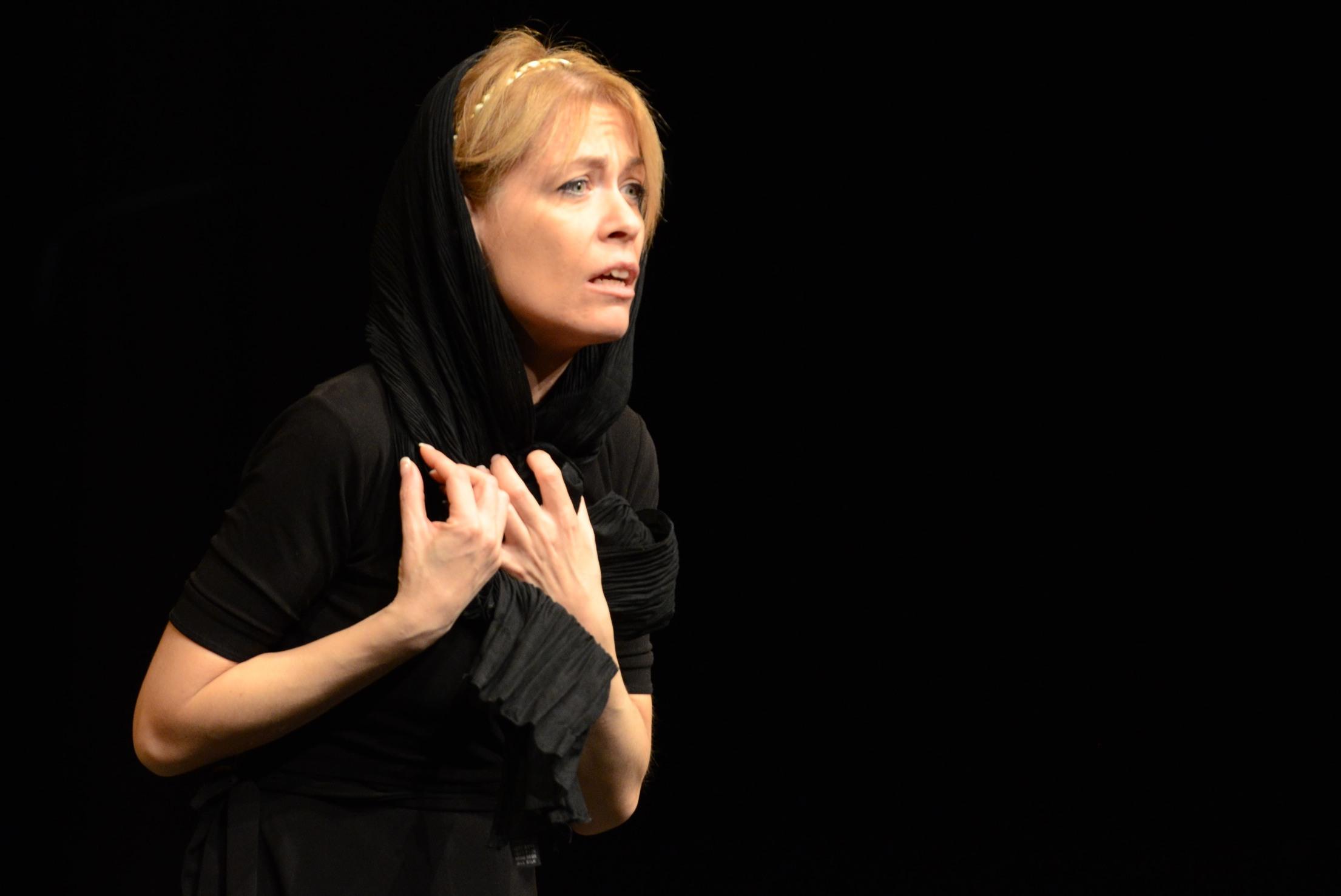 Ritratto di Maria, attrice di teatro di Torino
