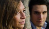 Dmitrij e Giulia primi piani stretti e sguardi intensi
