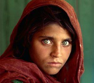 La ragazza dai grandi occhi verdi