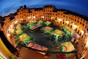 lucca_piazza_anfiteatro